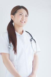 笑顔の看護師の写真素材 [FYI02934569]