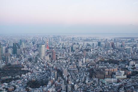 東京タワーと湾岸方面空撮の写真素材 [FYI02935665]