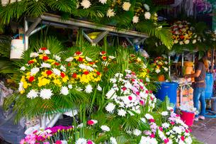 バンコクのフラワーマーケット近辺の花屋の写真素材 [FYI02935770]