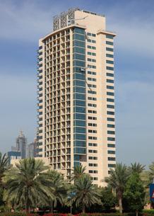 ドバイの超高層ビル(Golf Tower 1)の写真素材 [FYI02935845]
