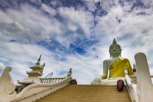 Wat Phu Thong Thep Nimit, Thailandの写真素材 [FYI02936120]