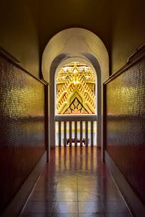 ロハプラサート瞑想の回廊の写真素材 [FYI02936141]