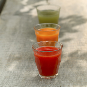 3つの野菜ジュースの写真素材 [FYI02937015]
