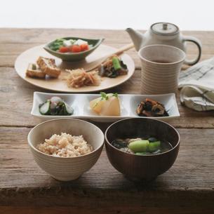 健康を意識した食事の写真素材 [FYI02937073]