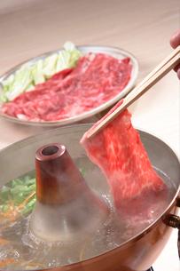 しゃぶしゃぶ(牛肉)の写真素材 [FYI02938230]