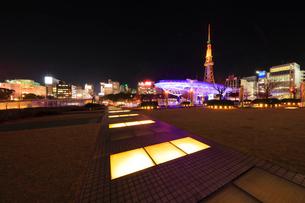 オアシス21と名古屋テレビ塔 夜景の写真素材 [FYI02938487]