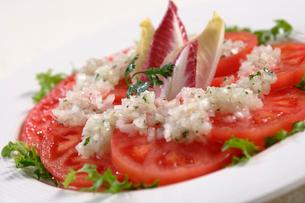 トマトサラダの写真素材 [FYI02938582]
