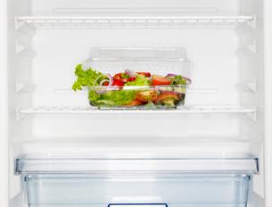 Salad box in fridgeの写真素材 [FYI02939401]