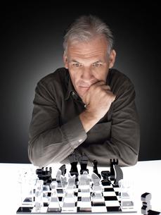 Man playing chessの写真素材 [FYI02940209]