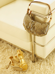 Golden High-Heeled Shoes and Handbagの写真素材 [FYI02941567]