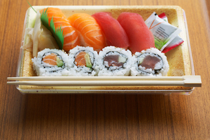 Sushi lunch boxの写真素材 [FYI02941600]
