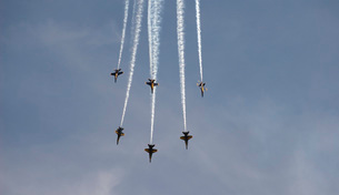 The Blue Angels perform aerial demonstrations during an airの写真素材 [FYI02942363]