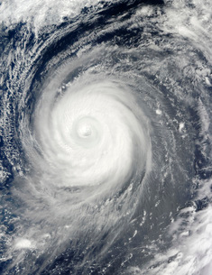 Typhoon Choi-wan south of Japan, Pacific Ocean.の写真素材 [FYI02942549]