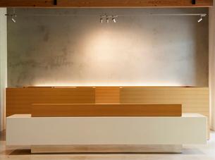 Contemporary Reception Deskの写真素材 [FYI02942750]