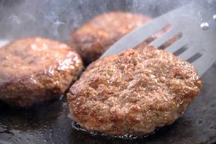 ハンバーグステーキの写真素材 [FYI02942755]