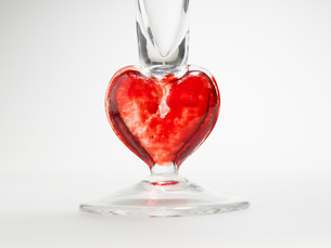 Decorative Glass with Heart Shapeの写真素材 [FYI02943431]