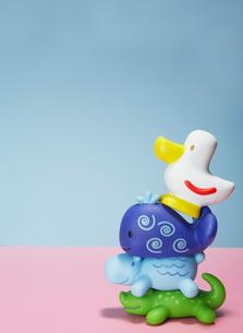 Stack of Plastic Toy Animalsの写真素材 [FYI02943453]