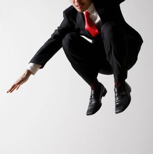 Businessman Jumpingの写真素材 [FYI02943545]