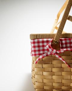 Wickerwork Picnic Basketの写真素材 [FYI02943675]