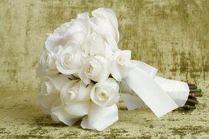 Bunch of roses tied upの写真素材 [FYI02944016]