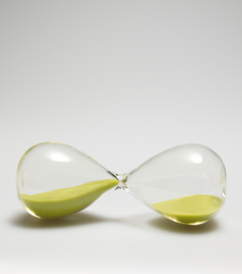 Single Hourglass Sidewaysの写真素材 [FYI02944062]