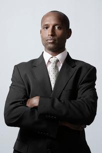 Portrait of mid adult businessmanの写真素材 [FYI02944517]
