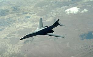 A U.S. Air Force  B-1B Lancer on a combat patrol over Afghanの写真素材 [FYI02944547]