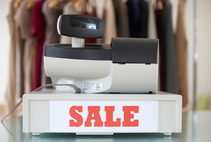 Sales Sign on Cash Registerの写真素材 [FYI02944675]