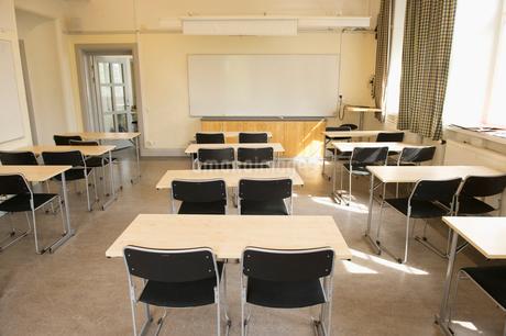 Sweden, Uppland, Danderyd, Djursholm, Empty classroomの写真素材 [FYI02944679]