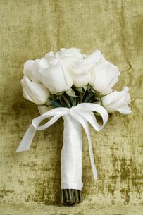 Bunch of roses tied upの写真素材 [FYI02944785]