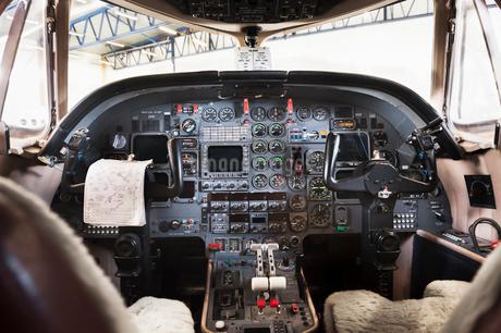Sweden, Stockholm, Bromma, Bromma Airport, Airplane interiorの写真素材 [FYI02944986]