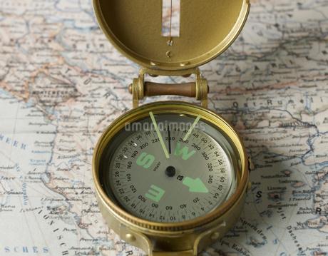 Compass on Mapの写真素材 [FYI02945171]