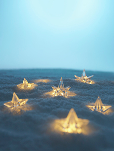 Illuminated Stars in Snowの写真素材 [FYI02945484]