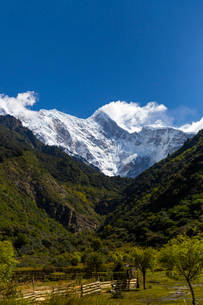 Nanjiabawa mountain in Tibet, Chinaの写真素材 [FYI02945510]