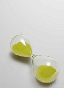 Single Hourglass Sidewaysの写真素材 [FYI02945694]