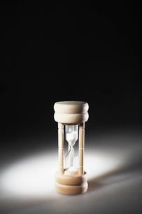 Single Hourglassの写真素材 [FYI02945707]