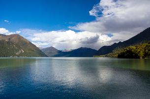 Basum lake in Tibet, Chinaの写真素材 [FYI02945763]