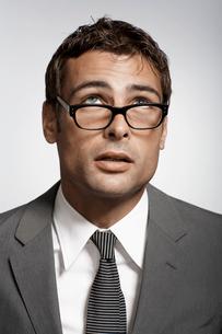 Portrait of mid adult businessmanの写真素材 [FYI02945795]