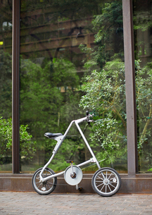 Folding Bicycle by Indoor Gardenの写真素材 [FYI02945905]