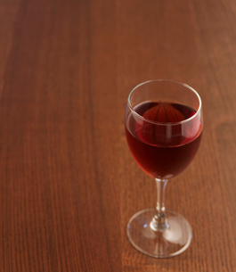 Glass of Red Wineの写真素材 [FYI02945949]