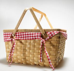 Wickerwork Picnic Basketの写真素材 [FYI02945996]