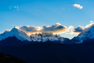 Overlooking of Meili Snow Mountainの写真素材 [FYI02946234]