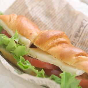 野菜チーズサンドの写真素材 [FYI02946461]