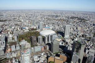 東京ドームシティ周辺の空撮の写真素材 [FYI02946524]