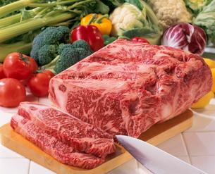 牛肉(サーロイン)の写真素材 [FYI02947436]