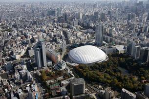 東京ドームシティ周辺の空撮の写真素材 [FYI02947854]