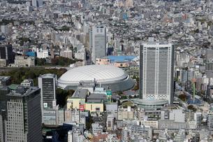 東京ドームシティ周辺の空撮の写真素材 [FYI02948377]