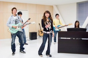 学生バンドの写真素材 [FYI02949033]