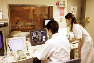 MRI検査の写真素材 [FYI02949102]