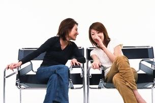 会話をする女性の写真素材 [FYI02949880]